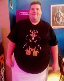 Bernie ane his new KillerBob Graphics t-shirt.